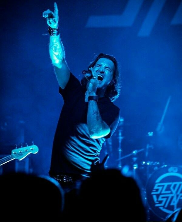 And scott stapp shaved filthy Lol love