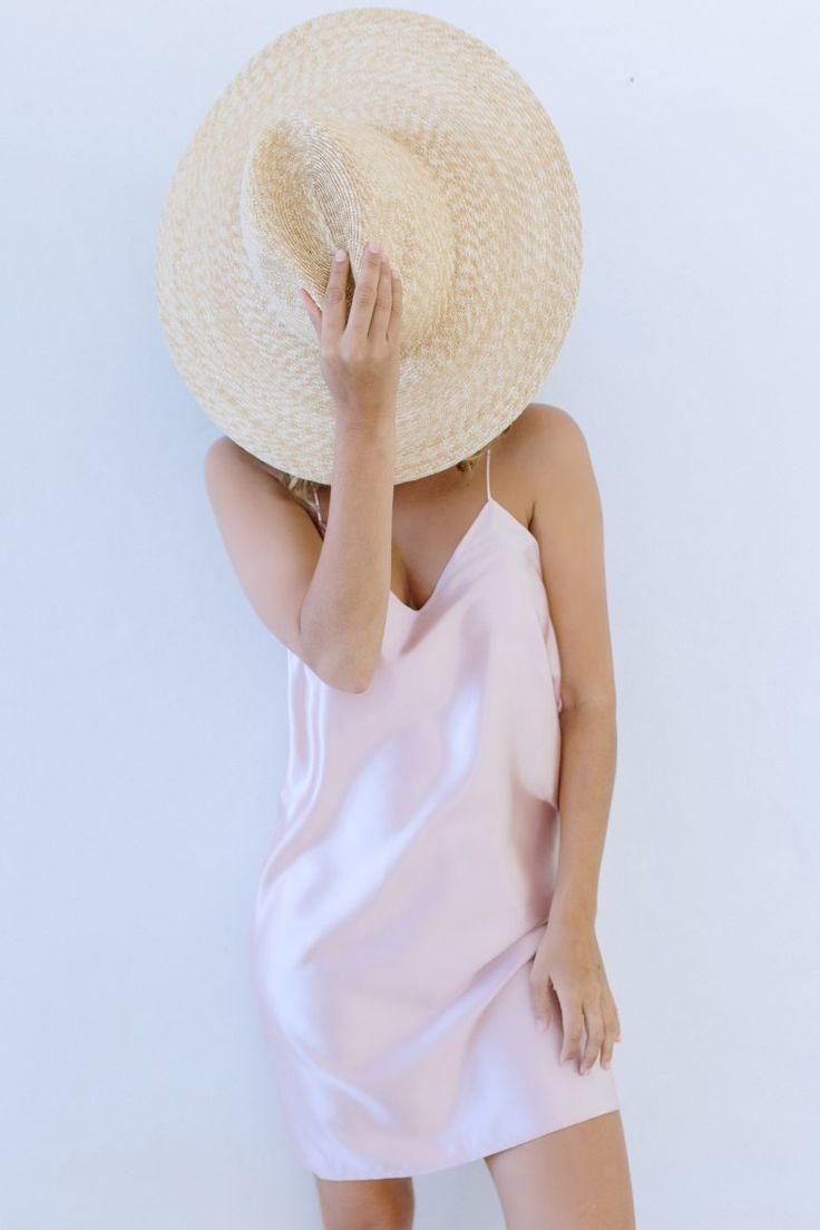 Free women's dress pattern - DIY Silk Sleevelsess Slip Dress - free tutorial. Simple & easy project. Great for Summer.
