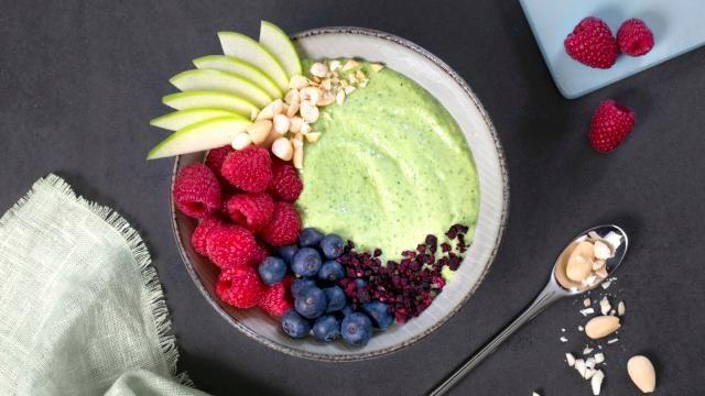 Oppskrift på Smoothie bowl med avokado