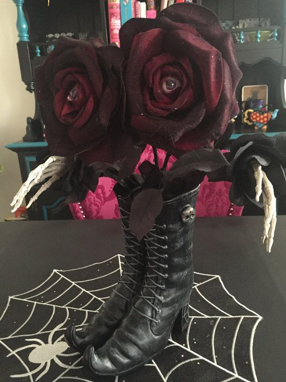 Halloween table centerpiece by PeTiTGaTo on Etsy