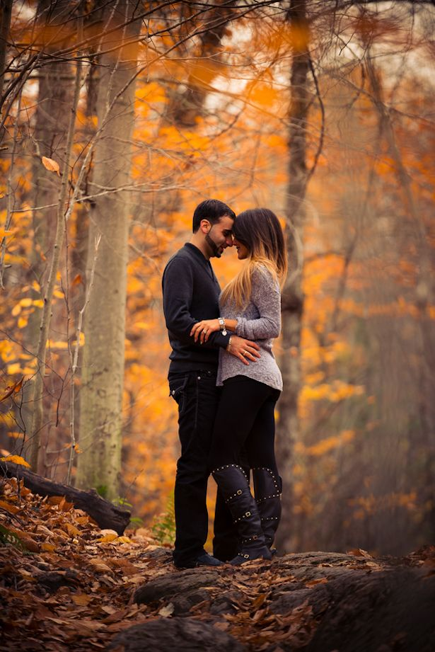 Stunning Fall Engagement Session - Belle The Magazine