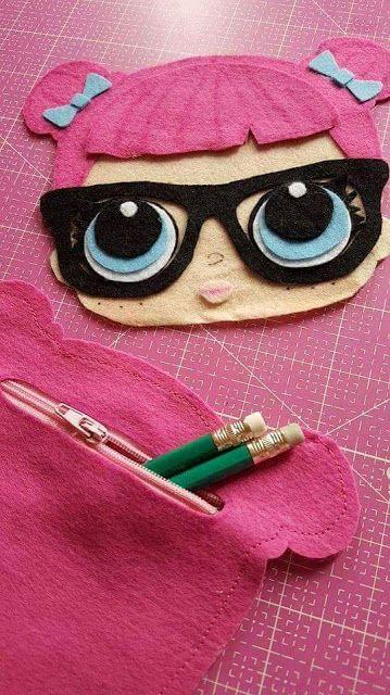 0cd6612cc Estojo escolar lol surprise | Bag | Lol dolls, Felt dolls e Baby ...