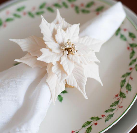 Porta guardanapo de natal com flor branca