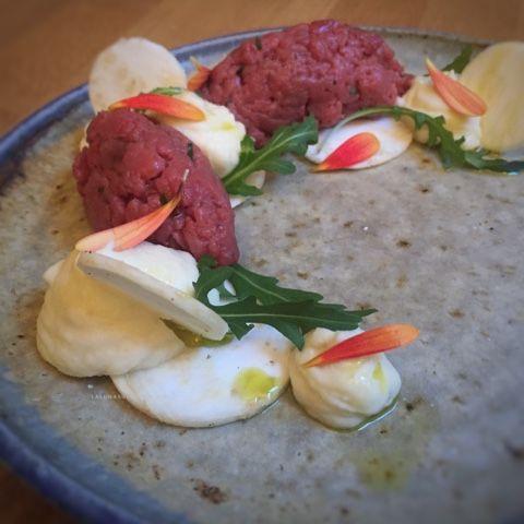 La luna sul cucchiaio: Tartare di manzo con maionese di sedano rapa