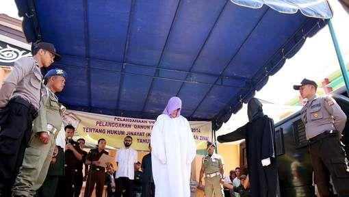 In hetzelfde land waar volop gefeest en gedronken wordt op de stranden van Bali, werd eergisteren een christelijke vrouw publiekelijk terechtgesteld. ...
