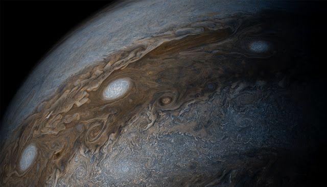 Post News: NASA's Juno captures beautiful view of Jupiter's bands of clouds!