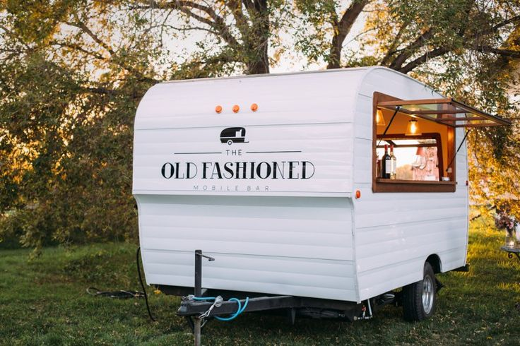 Today's vendor feature, Old Fashioned Mobile Bar is so cool! Everybody needs this vendor at their wedding especially if you are having an outdoor wedding.  We love how it fits right into a rustic or vintage wedding theme but it's still elegant enough for any other theme too. The Old Fashioned is a premium mobile bar service catering weddings & special events across Alberta.
