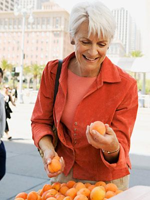 8 Low-Carb Fruits for the Diabetic Diet      ~Forbidden fruit? Not if you make the right choices. These favorites are low-carb, low-GI, and good for your diabetes diet plan.