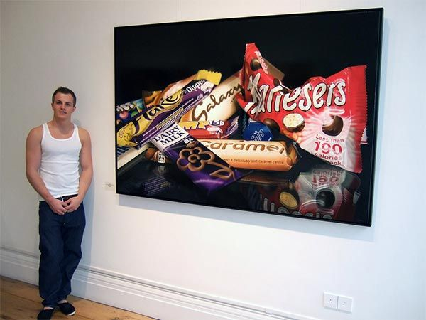 Hyper-Realistic Paintings by Tom Martin