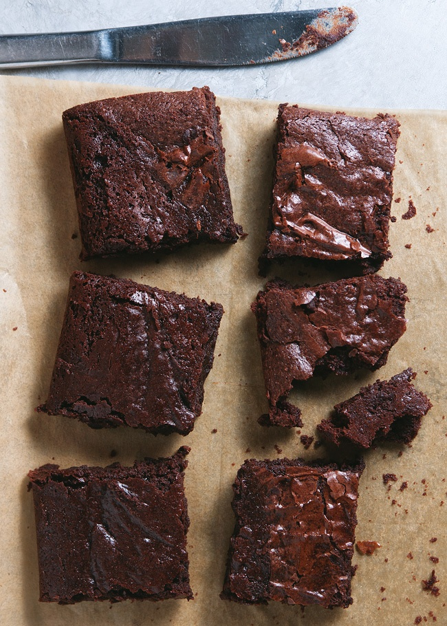 Alice Medrich's Cocoa Brownies via The Tart Tart #chocolate #recipe