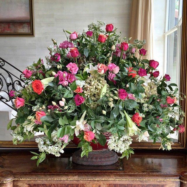 """Just delivered. #fabulousflowers #flowershop #floraldesign #capetown #cavendishsquare #instagood #instalove #instadaily #love #beautiful"""