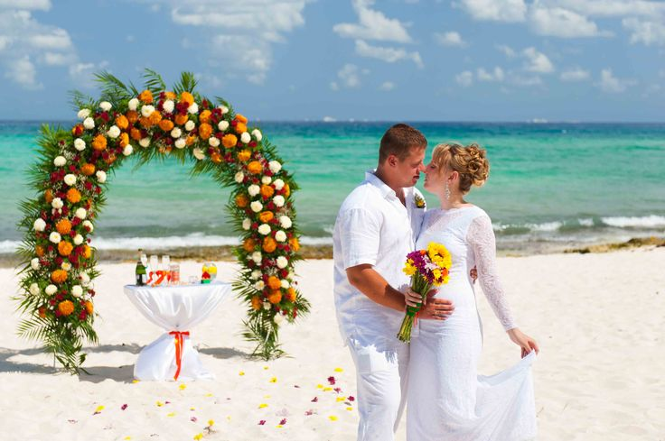 Wedding ceremony in Riviera Maya. Riviera Maya wedding photographer.