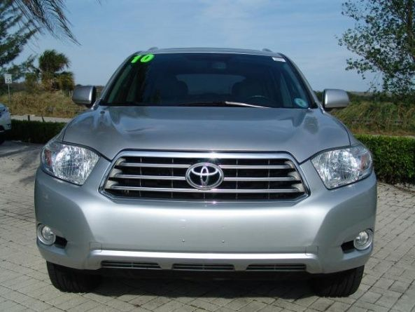 For Sale 2010 TOYOTA HIGHLANDER LIMITED EDITION (SILVER): in excellent condition, no accident record, Price is Negotiable. The mileage is... http://piendamo.beddo.co/p/vehculos/autos-usados/for-sale-2010-toyota-highlander-limited-edition-silver-196