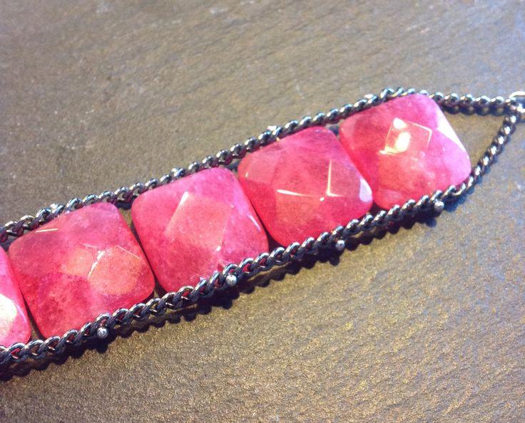 Bracciale doppia catena con pietre naturali di giada rossa quadrate di MadetoShineCreations su Etsy