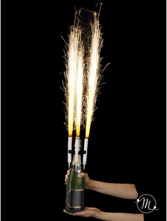 Fontana pirotecnica per champagne. Per dare un tocco magico alla vostra festa di matrimonio. Ogni confezione contiene 3 fontane e 3 clip.  In #promozione #matrimonio #weddingday #wedding #ricevimento #insegne #decorazioni #luci #banner #illuminatedsigns #decorations #lights #decorazioniluminose #nozze #fontana #fontanapirotecnica #champagne