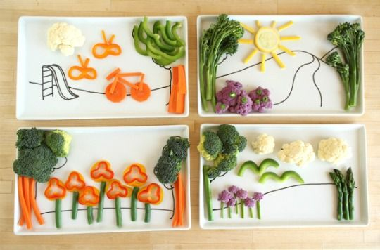Plates with simple backgrounds that let you design a vegetable landscape for kids (or yourself!).  All hail the new smiley pancake.: Food Pictures, Kids Projects, For Kids, Food Kids, Smart Kids, Food Trays, Healthy Food, Food Art, Kids Food