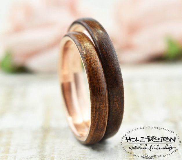 ~*~*~*~*~*~*~*~*~ BESCHREIBUNG ~*~*~*~*~*~*~*~*~ Absolut edle Ringe mit viel Liebe zum Detail handgefertigt aus wunderschönem Kupfer umrandet von exqusitem Ged. Mahagoni Holz. Das Zusammenspiel...