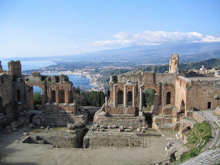 Sospeso tra cielo e mare, il Teatro Antico di Taormina | Listen to Sicily Blog Viaggi