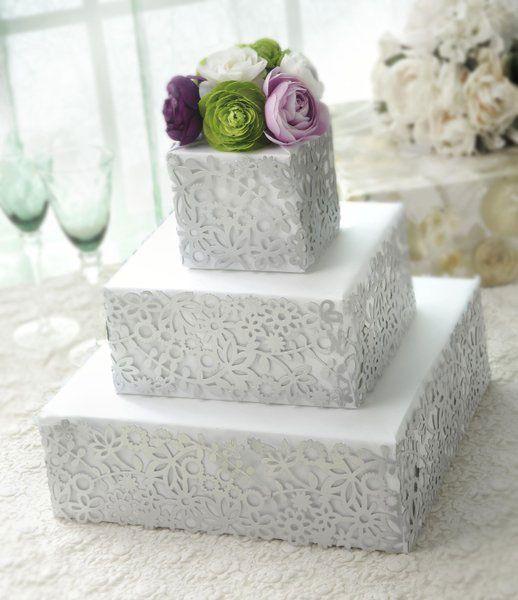 Make, don't bake, this fab DIY Paper Wedding Cake Centerpiece (Crafts 'n Coffee)