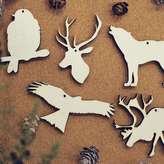 Ya nos han llegado las figuras exclusivas The Oak para colgar del árbol de Navidad! Diseñadas por nosotros y fabricadas para nosotros. No las encontraréis en otro sitio. Decora tu árbol con elementos salvajes y naturales y marca la diferencia Pronto desvelaremos las de temas navideños  #theoakdiseo #figurasnavidad #xmasdecor #theoakexclusivo #theoaksalvaje #faunaiberica #ciervo #deer #wolf #loboiberico #halcon #navidad #xmas
