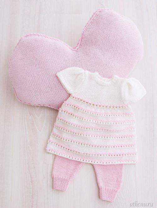 Вязание платьев на новорожденных