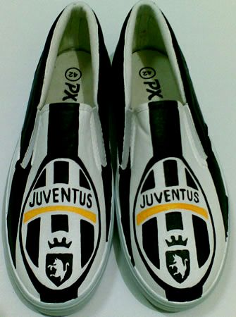 Juventus-Vans kw-Rp 180.000