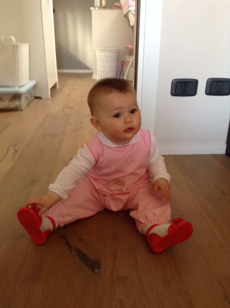 Ginevra on the floor #easte2014myfirst