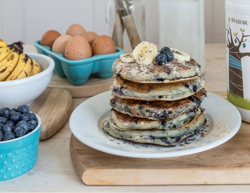 Simply mix in 2-4 tablespoons of baobab powder and plenty of fresh blueberries into your favourite pancake recipe mix.