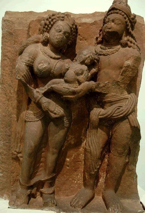 In India was Maagd de moeder van de god Krishna, Devaki.