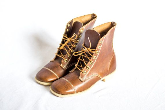 caramel brown leather lace up hipster boots size 7 by ChicOrigins, $45.00