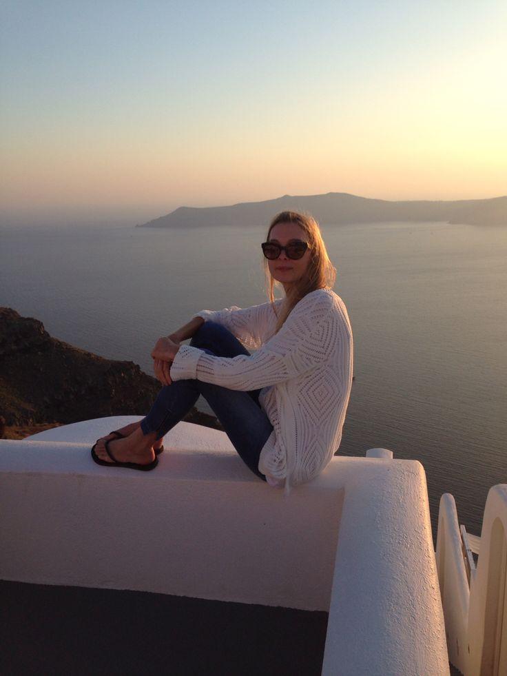 Wearing the chunky knit in Santorini  #knitwear #travels #santorini #greekislands #summer