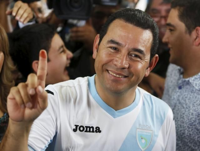 No joke: Guatemalan comedian wins presidency in landslide; Jimmy Morales, presidential candidate for the National Convergence Front party (FCN) shows his ink-stained finger after casting his vote at a polling station in Guatemala City, October 25, 2015. REUTERS/Jorge Dan Lopez