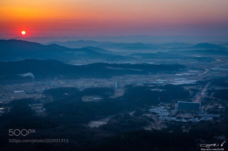 Sunrise in Cheonan by jck6905 via http://ift.tt/2nBCucM