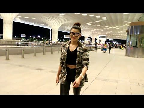 Urvashi Rautela at Mumbai airport leaving for GIMA awards 2016.