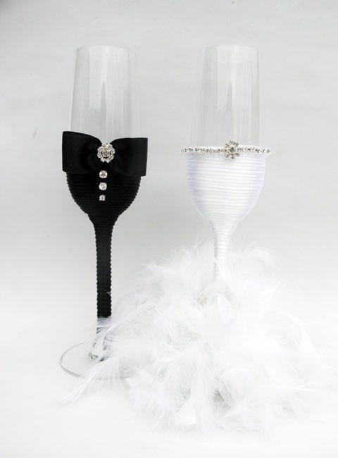 Mano decoradas copas de Champagne flauta de por HANDMADEONLYFORYOU