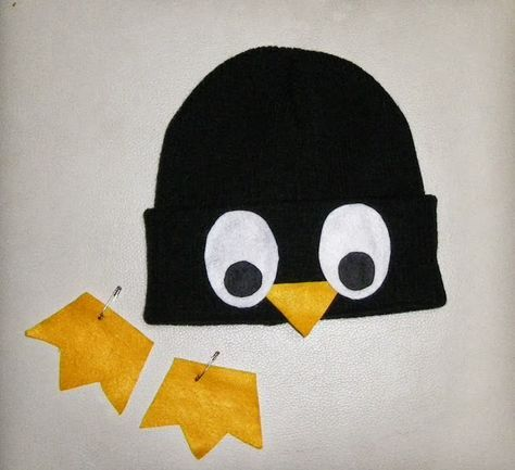 DIY Halloween Costume- inexpensive penguin costume for man woman or kids. Really cute for pregnant costume.