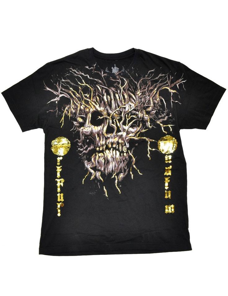 Pääkallo ja tribaalikuvioiset t-paidat koossa L MYÖS V8-paidat;)