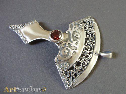 silver pendant with garnet