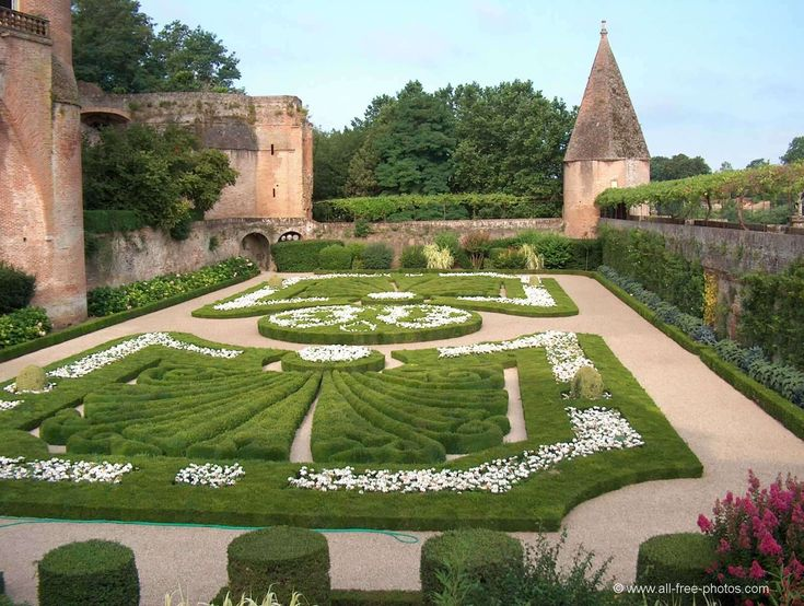 Jardins de la cathédrale Ste Cécile - Albi - France