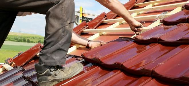 Terms of the Trade: What Is a Lath? | DoItYourself.com - http://www.doityourself.com/stry/terms-of-the-trade-what-is-a-lath