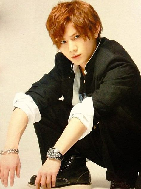 >< angry look !~~~~