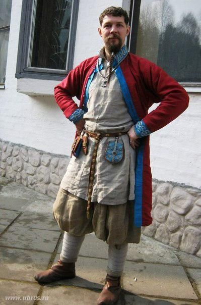 10th cent. Rus/Viking man. Poofy trousers, kaftan with Valsgarde embroidery. links to a Russian Blog with some interesting views and sources.
