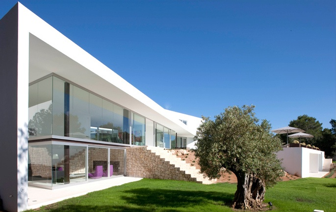 Dream Architectural villa with spectacular sea in Ibiza, by Belgian architect Bruno Erpicum