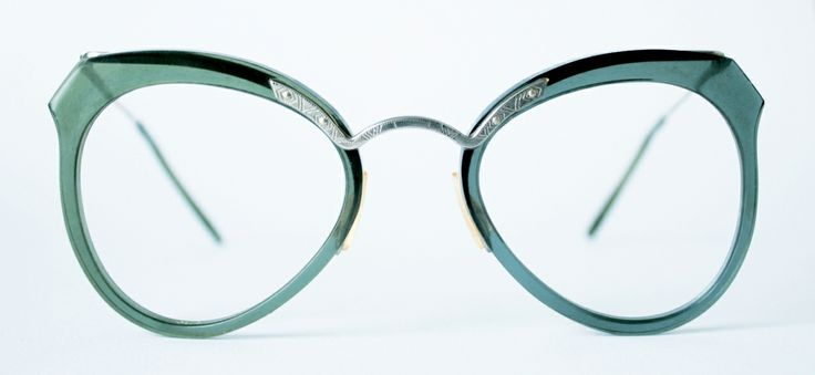 1940s French combination frame from General Eyewear's 790-995 series