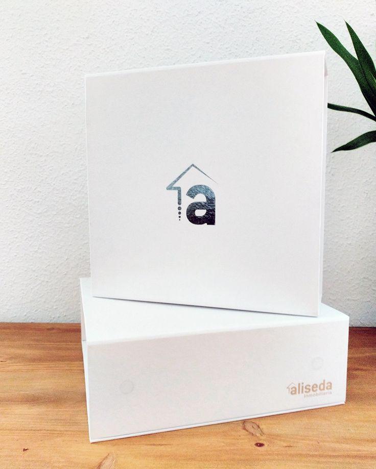 Caja diseñada para la entrega de llaves de las viviendas de la Inmobiliaria Aliseda