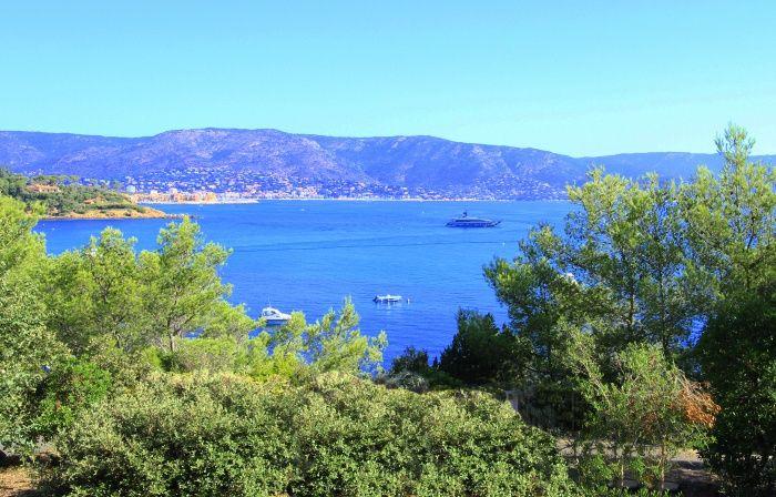 cap benat terrain constructible face a la mer (cap benat - BORMES LES MIMOSAS) à vendre : IMMOTOPIC.com