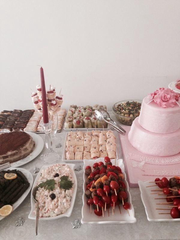 Engagement party, nisan sofrasi, nisan pastasi, engagement cake