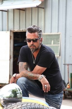 Richard Rawlings owner of Gas monkey garage....wipes the drool off her chin.....