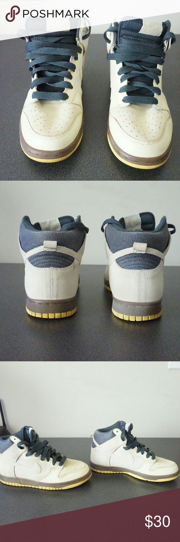 Nike dunks These have been worn but still in great condition.only needs to be cleaned and Left foot food has a bit of creasing. nike Shoes Sneakers