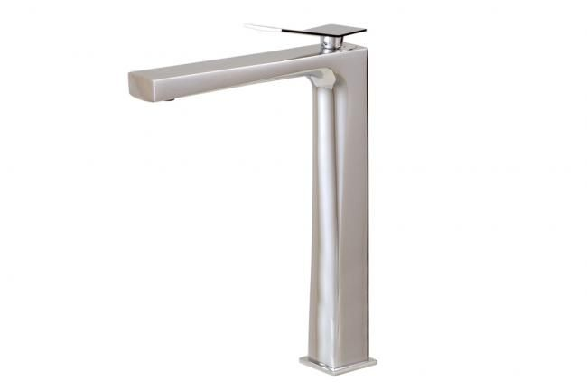 Aquabrass's stylish tall bath faucet / Chicane Collection